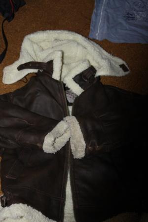 bunda prodřená až na kožíšek